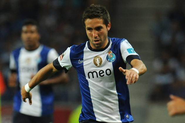 Moutinho Steals Show as Porto Beat Malaga