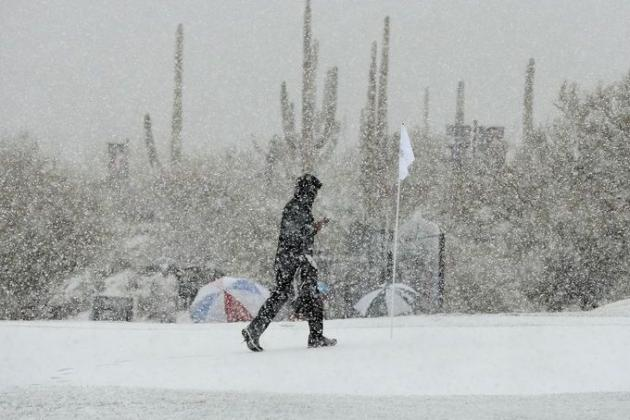 Snow Suspends Match Play in Arizona