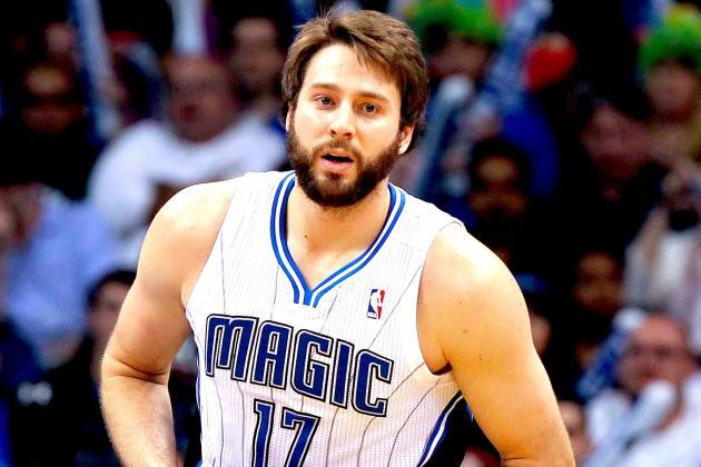 Bobcats Trade Hakim Warrick to Magic for Josh McRoberts