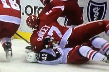 Kyle Quincey out for the Rest of the Game After Suffering Leg Injury