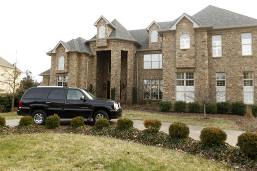 UK Football Coach Mark Stoops Buys Beaumont House for $1.45 Million
