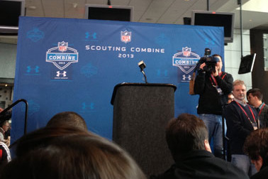 Manti Te'o Press Conference Catfishes Media