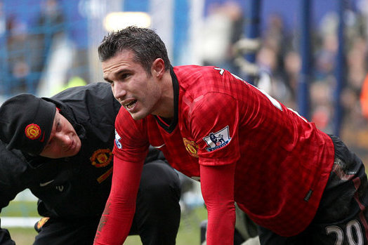 Robin Van Persie Hurt His Hip in Manchester United