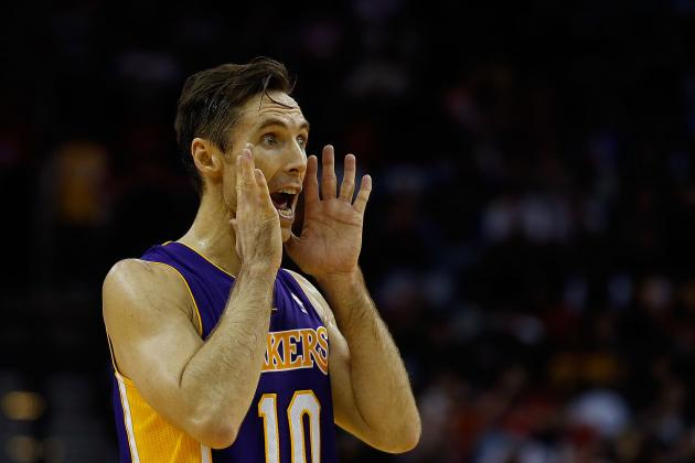 Steve Nash Blames Back Problems for Poor Shooting Night Against Blazers