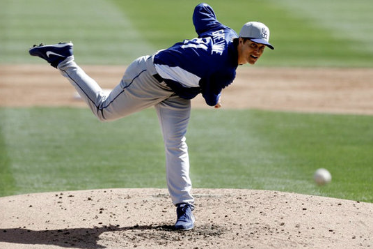 Dodgers Get First Looks at Zack Greinke and Hyun-Jin Ryu; Tie White Sox, 2-2