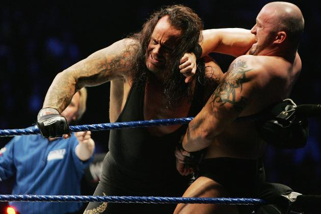 The Undertaker Makes Dramatic Return to WWE's Raw in Time for WrestleMania 29