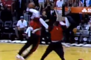 LeBron's Pregame Warmup Dunk Was Better Than Anything in the Dunk Contest