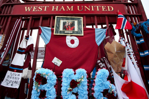 Never Forgotten: See Pictures of West Ham's Tribute to Bobby Moore