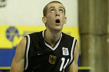 Rockets Sign Tim Ohlbrecht from D-League