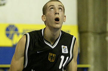 Rockets Sign Tim Ohlbrecht