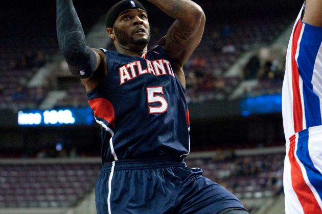 Hawks Soar over Shorthanded, Slumping Pistons