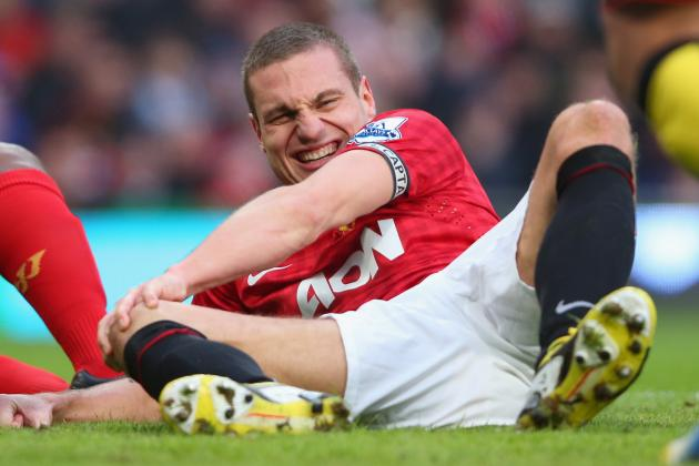 Manchester United Captain Nemanja Vidic Expects End to Knee Injury Problems