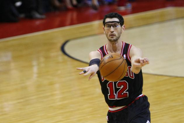 Hinrich (Elbow) Game-Time Call vs. Cavs