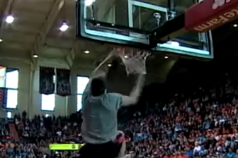 Oregon State Football Shows off Its Dunking Skills During Halftime