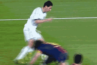 GIF: Angel Di Maria Skins Carles Puyol for 2nd Real Madrid Goal