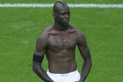 Balotelli Orders Statue of Himself