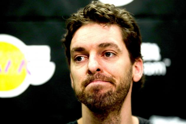 Pau Gasol Finally Off Crutches, Back in the Training Room