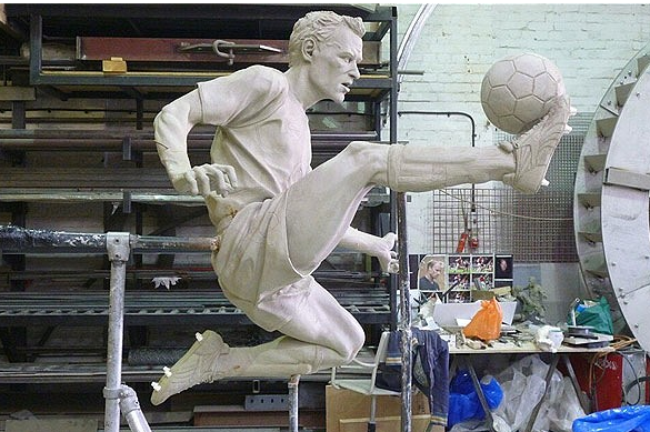 Dennis Bergkamp to Be Immortalised with Own Statue Outside Emirates Stadium