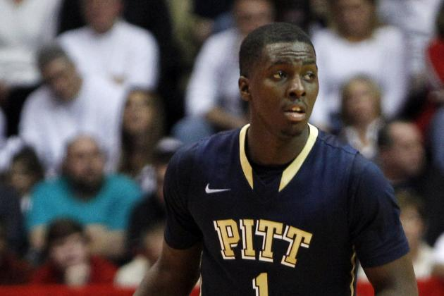 Pitt Overcomes Slow Start to Beat South Florida, 64-44