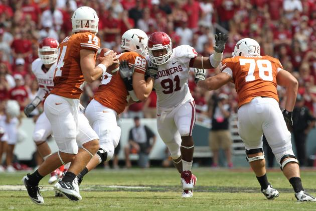 Texas Longhorns Starting RT Josh Cochran Fractures Lower Left Leg
