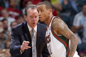 Monta Ellis' Thrilling Buzzer-Beater Helps Bucks Go 2-0 in Texas