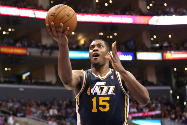 Derrick Favors Fills Paul Millsap's Shoes in Loss to Atlanta