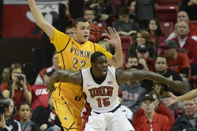 UNLV's Bennett Day-to-Day with Nerve Pain in His Left Shoulder