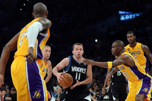 Kobe Scores 33 in Lakers' Latest Playoff-Push Win