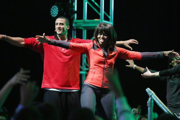 49ers QB Kaepernick Joins First Lady to Help Students Get Daily Exercise