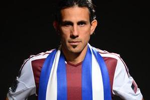 Pareja Makes It Official: