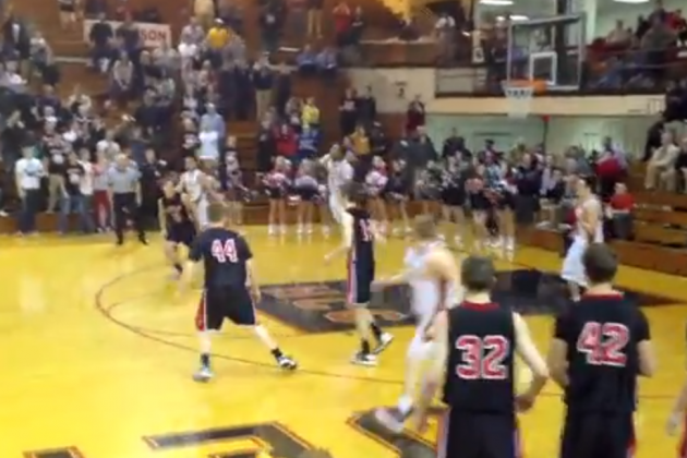 High Schooler Wins State Playoff Game with Miracle Shot from 3/4 Court