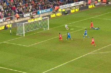 GIF: Luis Suarez Scores His Hattrick Goal V Wigan