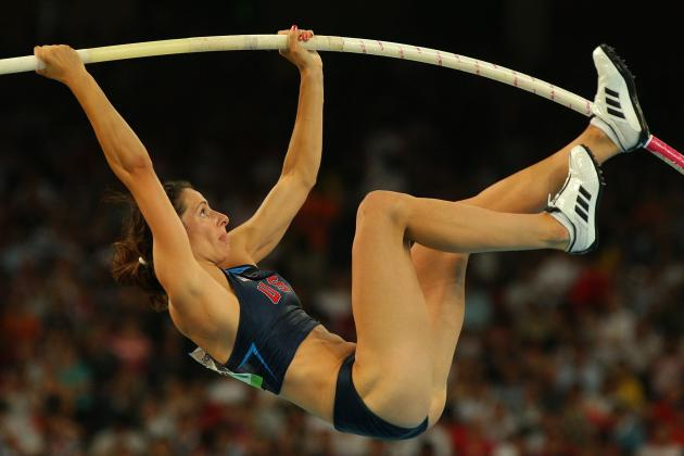 Jenn Suhr Pole Vaults to New World Record at USA Indoor Championships