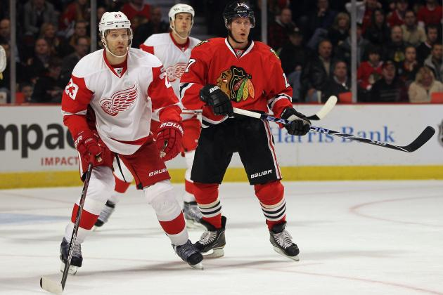 Chicago Blackhawks Beat Detroit Red Wings in Shootout, Extend Historic Streak