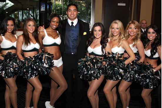 Manti Te'o Real Live Girls