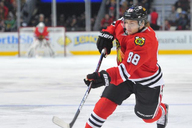 Blackhawks Top Red Wings, Extend Point Streak