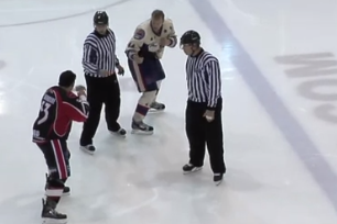 This Is Without Question the Worst Hockey 'fight' of All Time