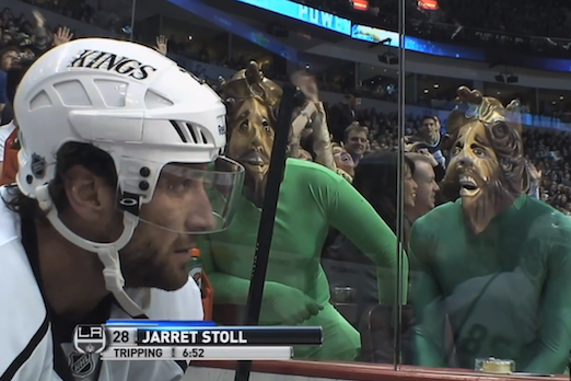 Erin Andrews Laughs as Vancouver Green Men Troll Boyfriend Jarret Stoll