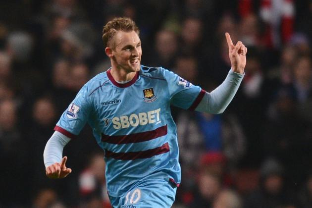 West Ham Midfielder Jack Collison Having to Manage Troublesome Knee