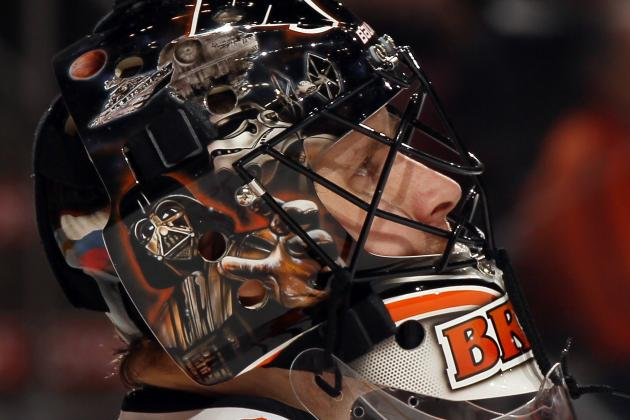 Flyers Repainted Yoda on Bryzgalov's Star Wars Themed Mask