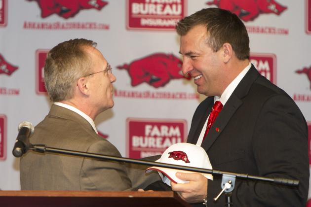 Notes: Bielema Aims to 'Overwhelm' State with Club Appearances
