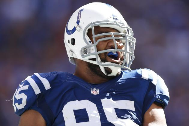Colts Re-Sign Fili Moala