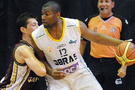 SEA Signs Darren Fells, Ex- International Basketball Player, to 3-Year TE Deal