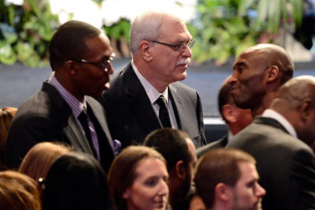 Lakers Rumors: Is Phil Jackson Texting Dwight Howard a Sign of an L.A. Reunion?
