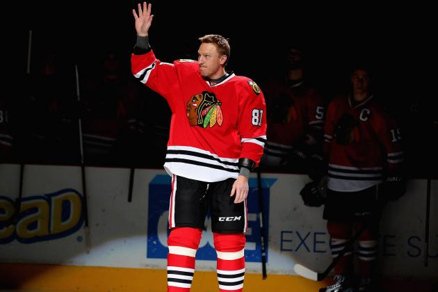 Blackhawks Pay Tribute to Hossa's Milestone