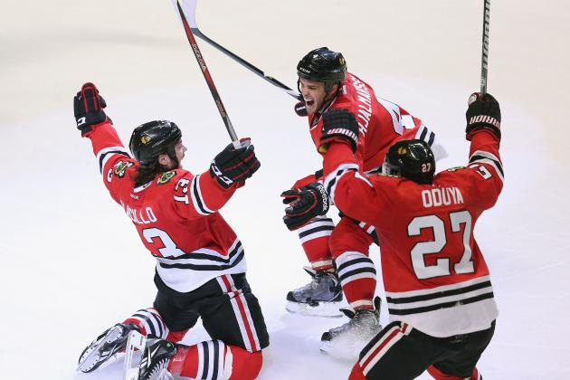 Carcillo Keeps Hawks' Streak Alive with Late Tally