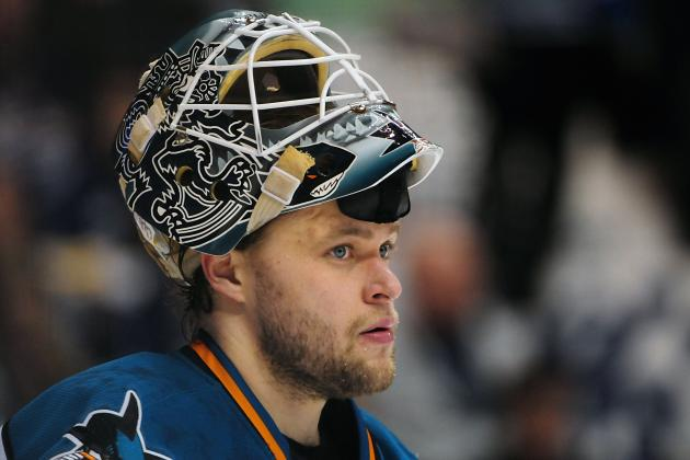 Antti Niemi Earns Brocade 'Sharks Player of the Month' Honors