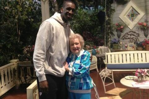 Milwaukee Bucks' Ekpe Udoh Meets Betty White After Epic Twitter Quest
