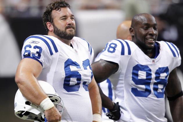 Jeff Saturday to Bridge the Past and the Future for the Indianapolis Colts
