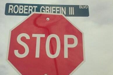 Redskins' RG3 Returns Home for Dedication of 'Robert Griffin III Boulevard'